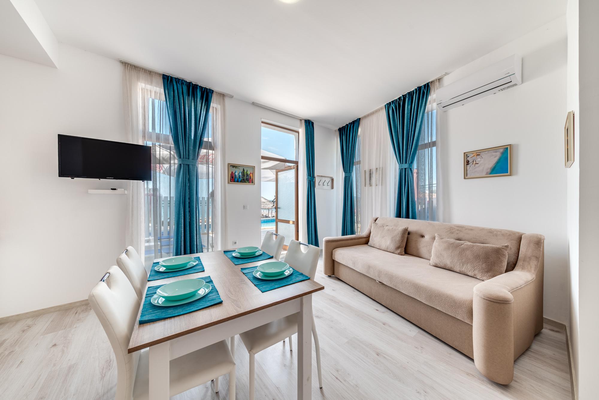 Apartment 35 Photo