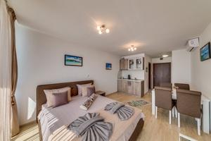 Apartcomplex Golden Bay - Studio Apartment 414 Photo